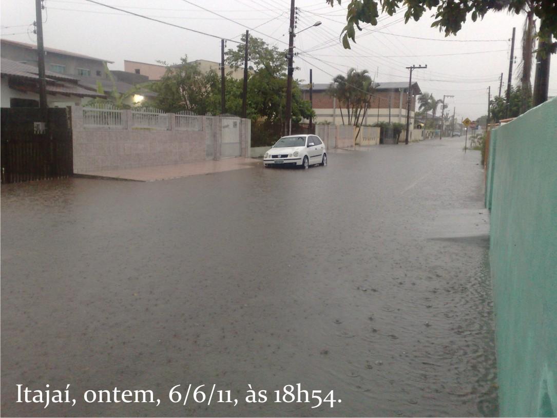 Fotos itajai enchente 2011 34