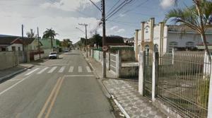 Este é só um exemplo, de tantos em Itajaí. Nada contra, é claro, a igreja em particular.