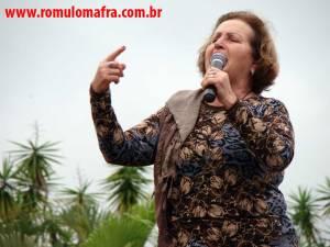 """Dona Cuca levantou o povo: """"vó não tem de cuidar de netos por falta de creche!!!"""""""